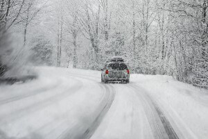 How to drive safely in the snow and ice in Portland, OR
